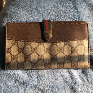 Gucci vintage brown leather trifold wallet